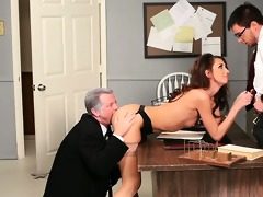 beauty taking cock from both ends in psycho porn