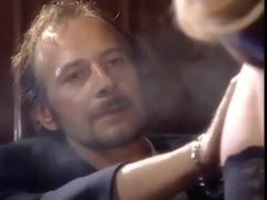 belle salope italienne baise son amant devant son