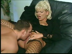 this cougar loves rod in her snatch