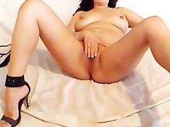 masturbate on webcam